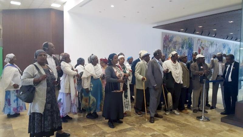 סיור בכנסת של בני הקהילה האתיופית