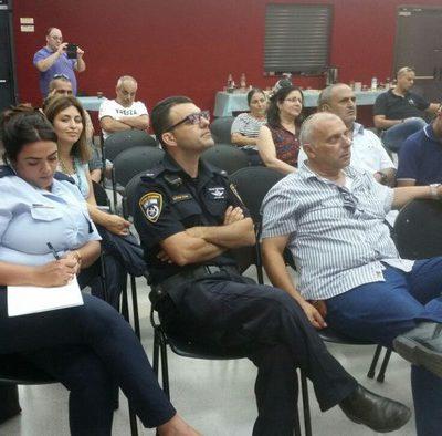 שיח תושבים עם מפקד תחנת משטרת רחובות (1)